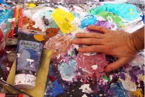 Creative hand, Manhal Issa